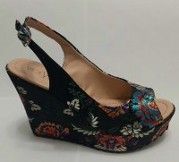 Maiko - Black with Floral Print